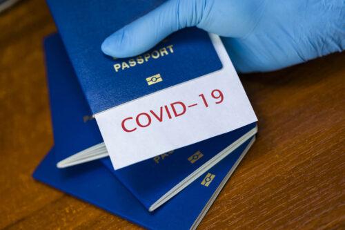 Паспорти вакцинації: які країни ЄС підтримують введення сертифікатів