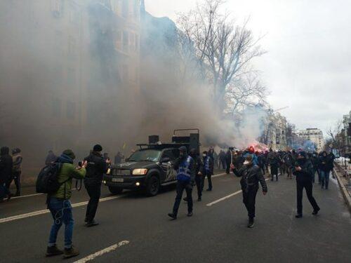 Протести на підтримку Стерненка: мітингарі висунули вимоги Зеленському і рушили до Офісу генпрокурора (фото)