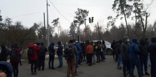 Справа Стерненка: біля резиденції Зеленського спалахнув протест