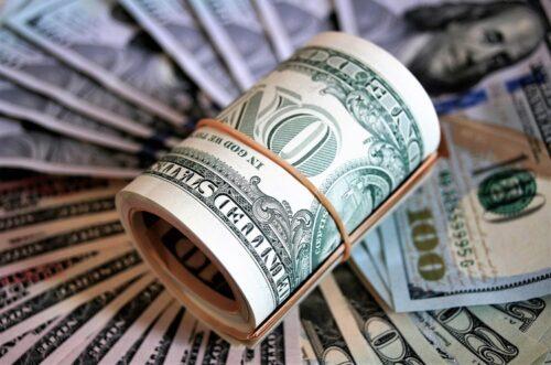 Курс валют на 4 березня: скільки коштують долар і євро